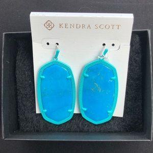 NWT Kendra Scott Danielle Matte Earrings